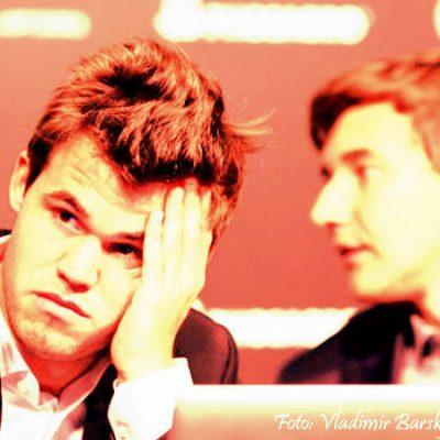 Magnus Carlsen y Sergey Karjakin en lucha por el título mundial de campeón de ajedrez